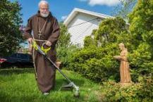 Cardinal Sean Weed Whacker