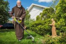 Cardinal Sean Weed Whacker