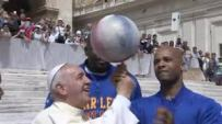 Francis and the Globetrotter